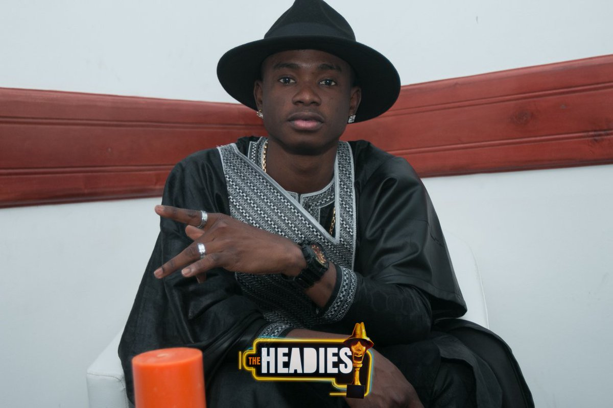 Next Rated Nominee @lilkeshofficial posing for the camera #TheHeadies2015 https://t.co/PAYUEmFx4J