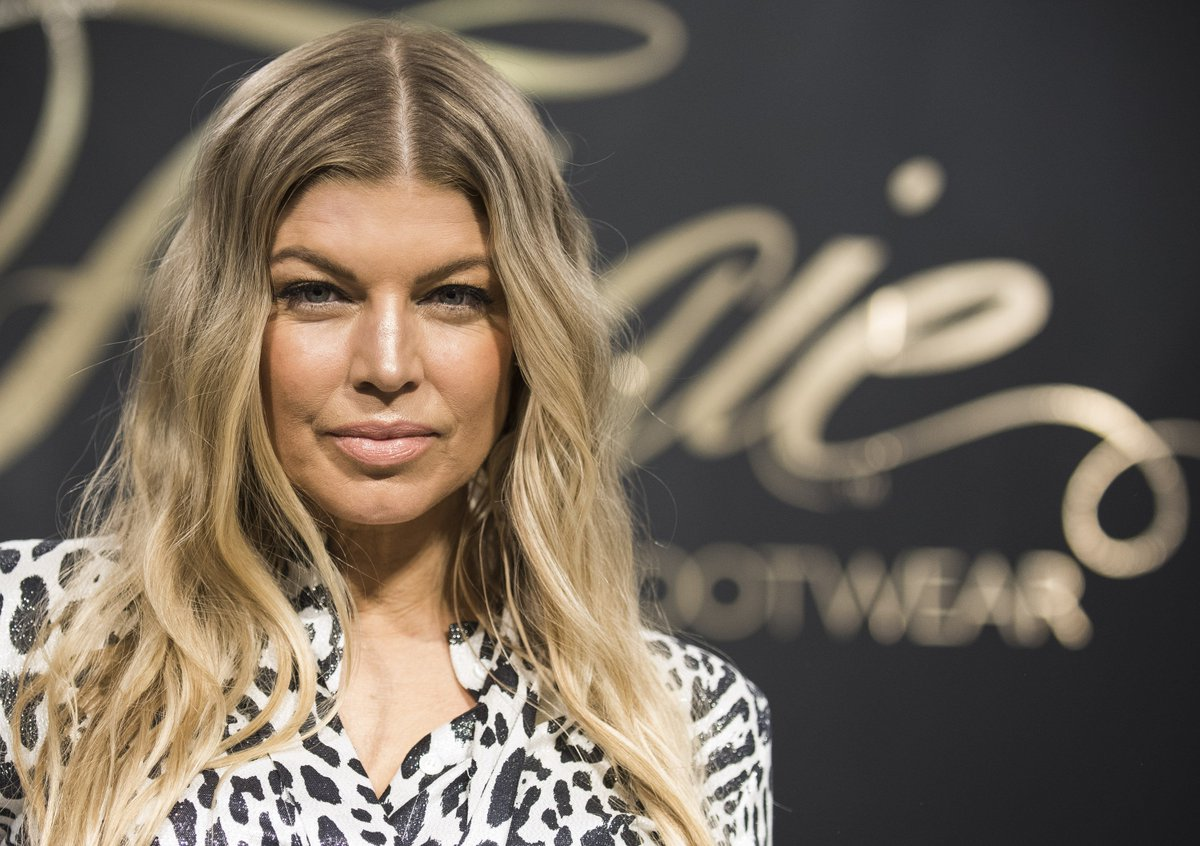 RT @AOL: .@Fergie reveals her New Year's resolution: https://t.co/6QkPzR4BjR https://t.co/hJQix6Yuvh