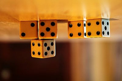 """I tried gluing some dice to the ceiling. One said, """"Do you expect me to talk?"""" """"No, Mr. Die, I expect you to bond."""" https://t.co/4r8MMiuemv"""