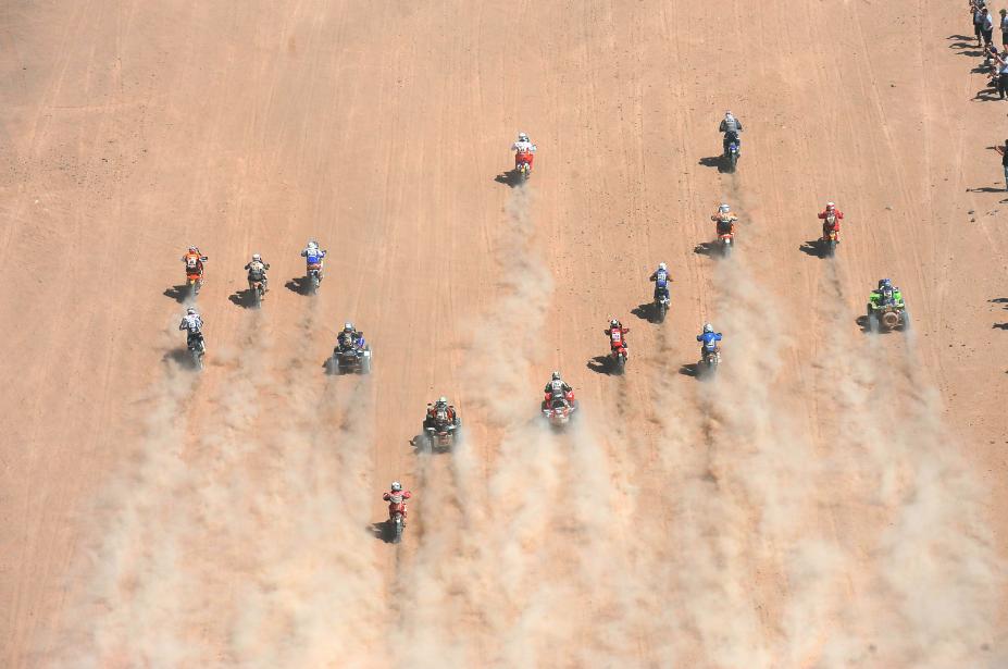 ★ ★ ★ OFFICIAL COMPETITORS LIST ★ ★ ★ ✅ 136 Bikes ✅ 45 Quads  ✅ 111 Cars ✅ 55 Trucks RT to support them. #Dakar2016 https://t.co/UwJaldIjvq