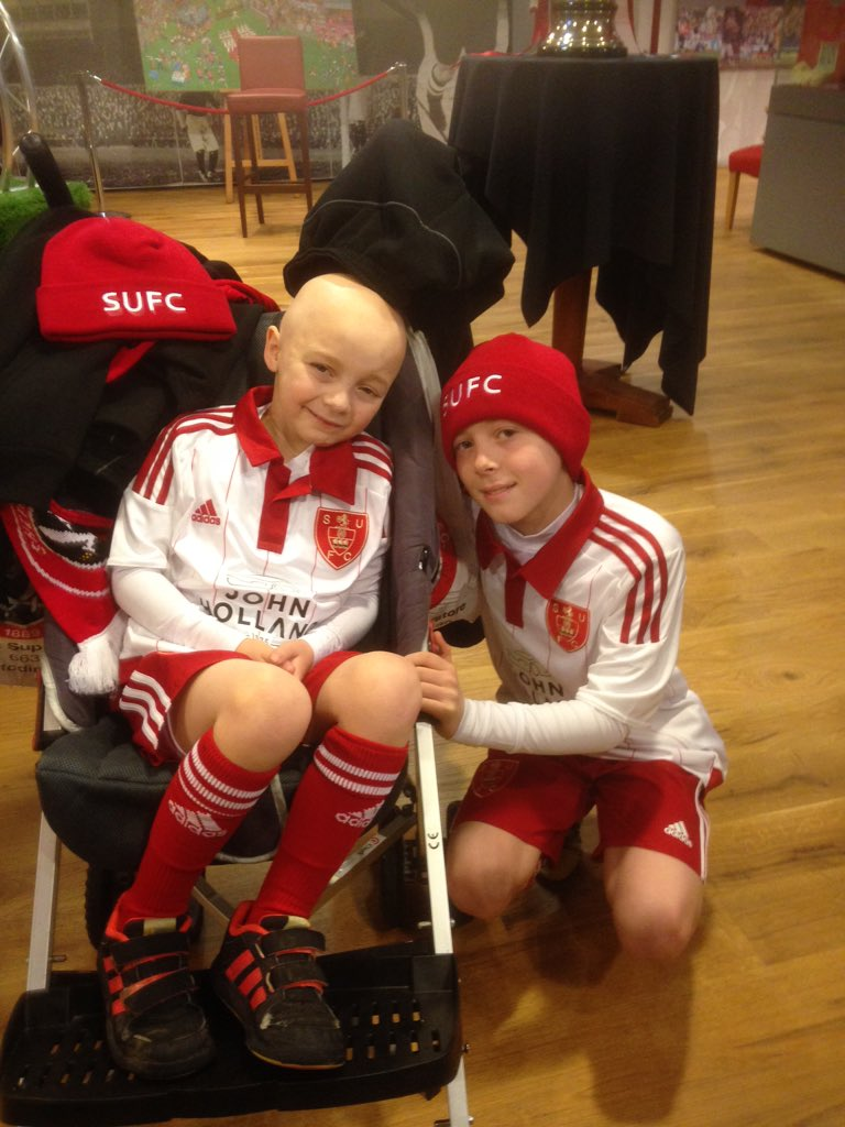 Mascots Seb and Kas @SUFC_tweets today...Kas is amazing has come straight from hospital to be here https://t.co/3JQVVkPjzR