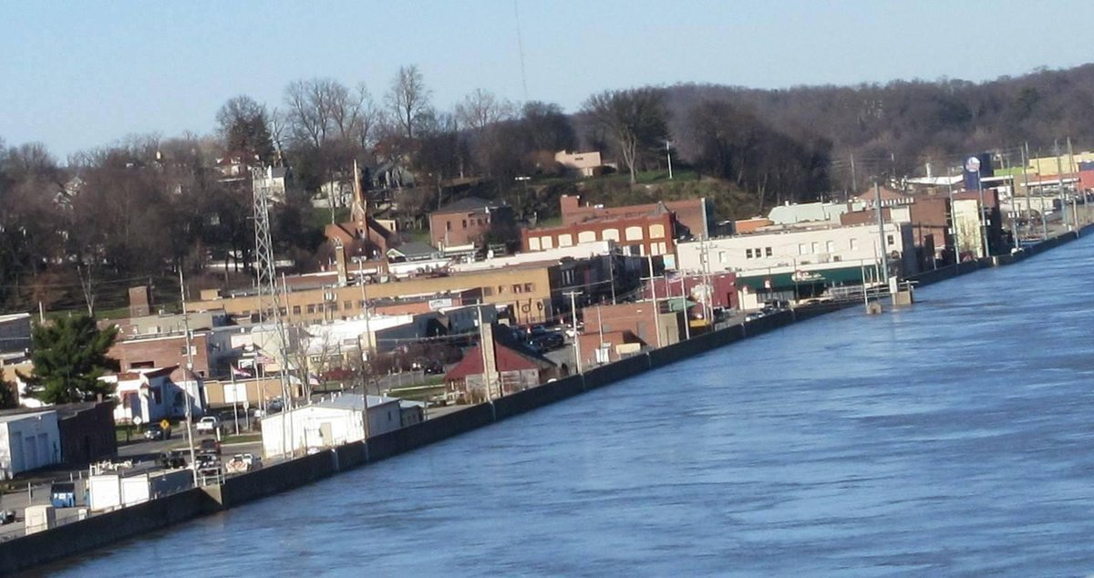 #BREAKING: Cape Girardeau officials believe Mississippi River may have already peaked https://t.co/jgVrkYSi6B https://t.co/9N8jKrZeNf