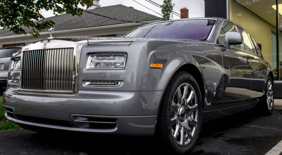 Check out 2016 Rolls-Royce Phantom  #RollsRoyce #RollsRoycePhantom https://t.co/uNSFJwmkhM https://t.co/ACXak69OEs