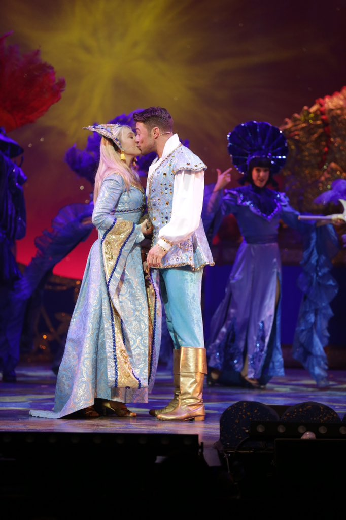 Don't kiss goodbye to Aladdin yet... Final two performances today. #pantomime https://t.co/YM2ogW9DBR
