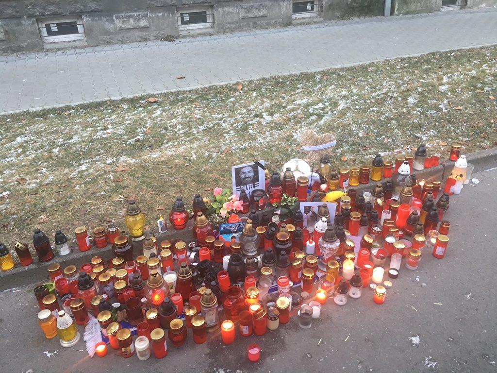Sad to visit @PavelSrnicekUK final resting place. #tears #memories #srnicekseven https://t.co/nholtxcHpI