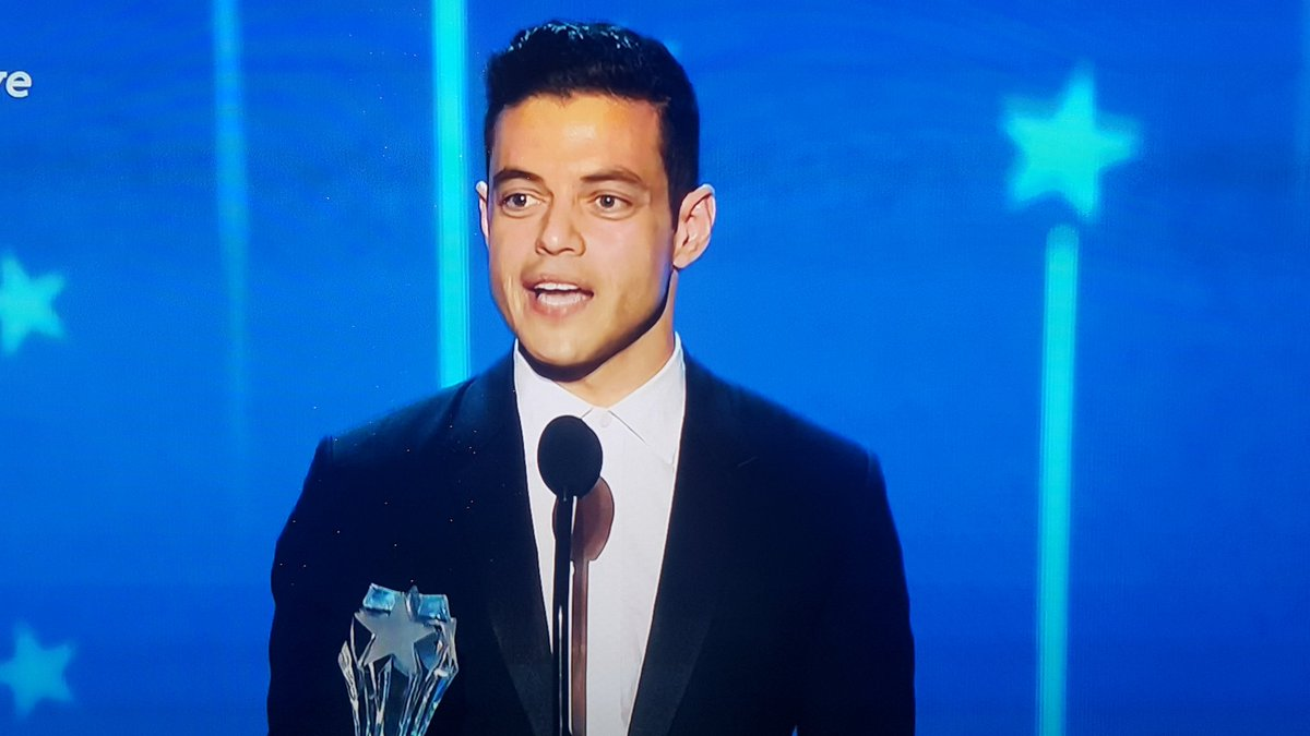 "Adorable Rami Malek says his Mr Robot character taught him ""it's not good to be different, it's better."" @TheWrap https://t.co/FqRKTDez2B"