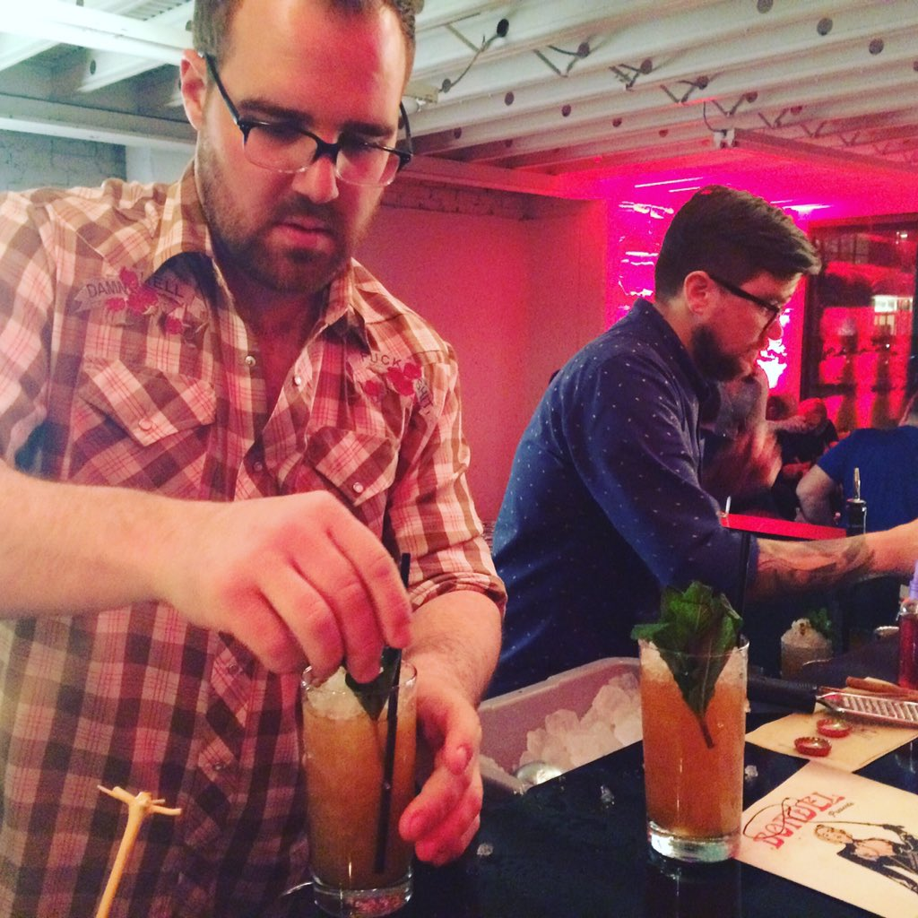 It's popup bar time! Thrilled to have @BordelChicago in the house! #SACC2016 https://t.co/TkN0ITj4CF