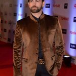 RT @voompla: The dapper @NeilNMukesh rocks the #BritanniaFilmfareAwards red carpet! https://t.co/Zu2AO1OHjT https://t.co/U86O0LM562