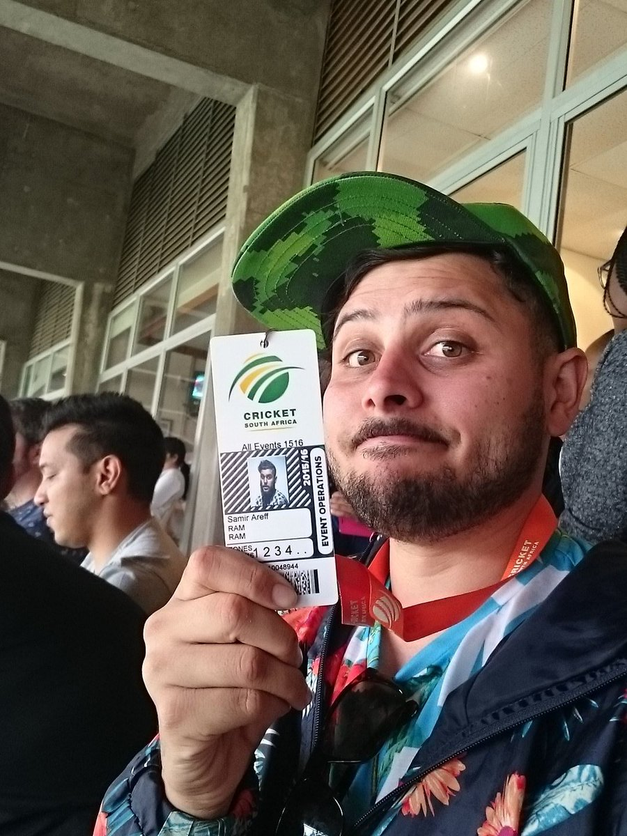 If I get 1000 retweets I'll use my media pass to get to the Protea's dressing room and swear ALL OF THEM #SAvEng https://t.co/A7pOp0LuBy