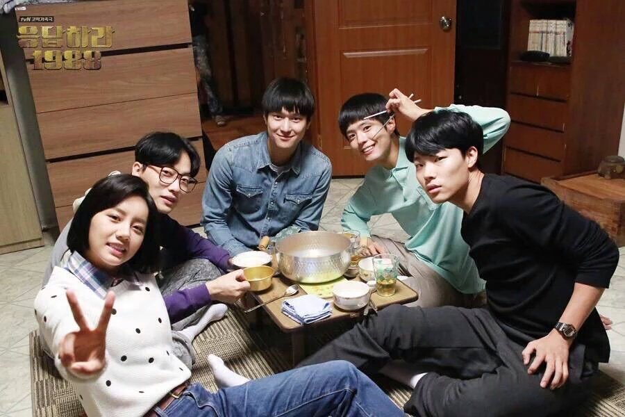 "#Reply1988 isnt all about ""who's the husband"" but also remind us about the meaning of family, friendship, and love"