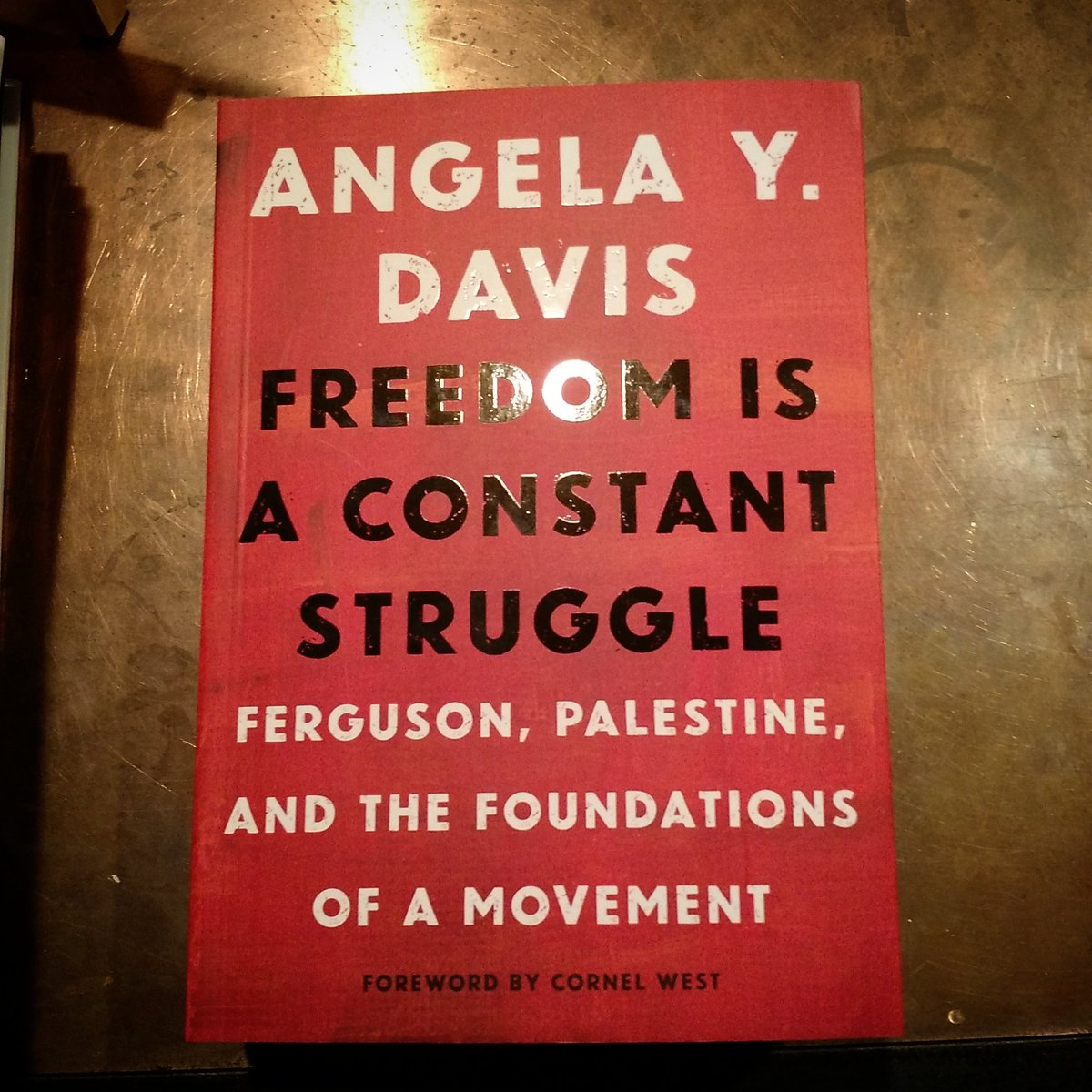 """""""If we want to imagine a society without racism, it would have to be one without prisons"""" -Angela Davis https://t.co/o71dTTFVgf"""