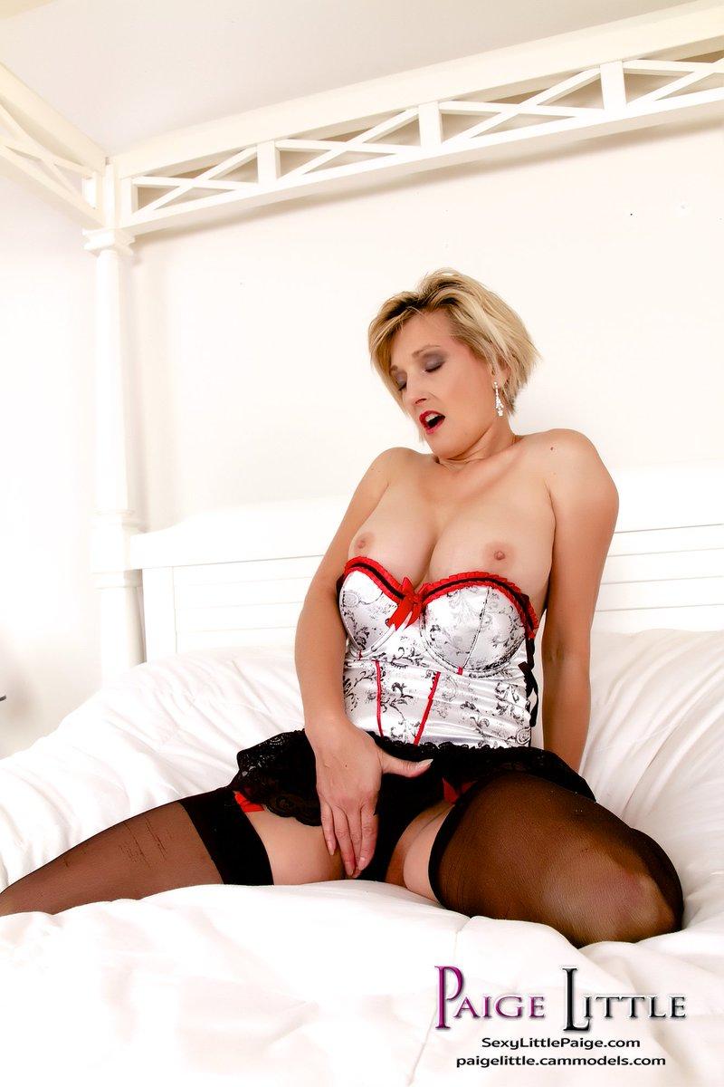 #SexySaturday pic! Enjoy! #おっぱい #Brüste #seins #熟女 #成熟した #reifen #зрелый #オナニー #Selbstbefriedigung