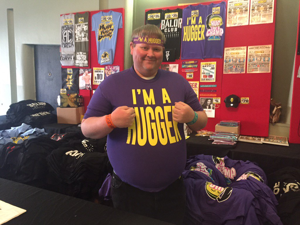 @cbusking pushing the @itsBayleyWWE merch! And yes, he is a hugger! https://t.co/bwezhpws3x