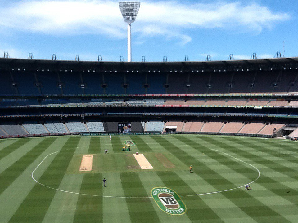 Another road for a MCG batting banquet. Bowlers should go on strike until pitches look like Wanderers..not a freeway https://t.co/35zaj3aAYm