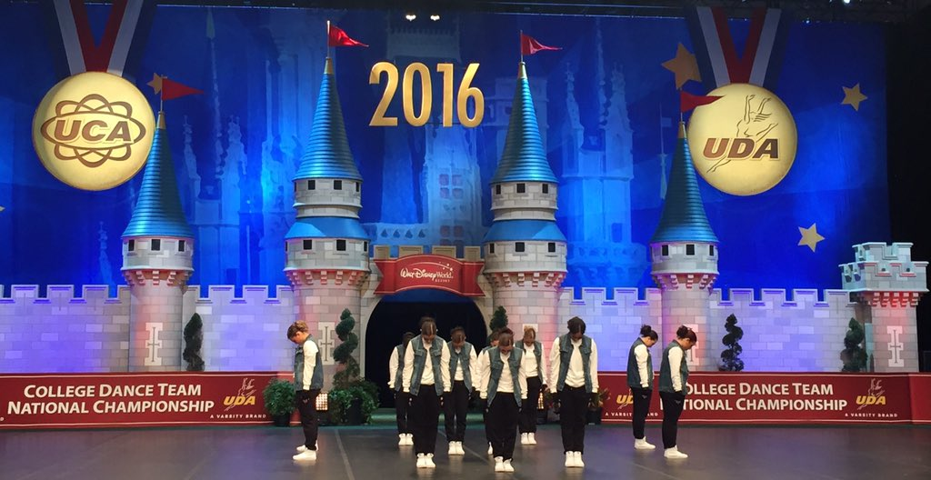 Last day of competition in FL & @PostDanceTeam just finished their Hip Hop routine. Good luck girls! #UDAnationals https://t.co/XNzrZsEkR1
