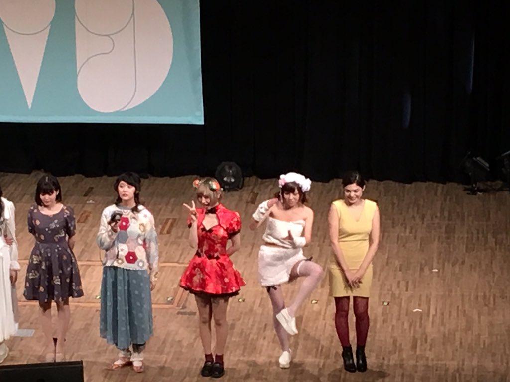 エリボンのnatsukiさんめっちゃ好きかもしれん…(ナギノエナさんも好き) https://t.co/PIXWZJgLKI