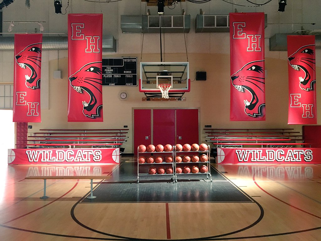 Oh the feels....... Get ready because we're back celebrating 10th anniversary #wildcats #hsm https://t.co/zEfwNXGcfr https://t.co/nk93vrChtd
