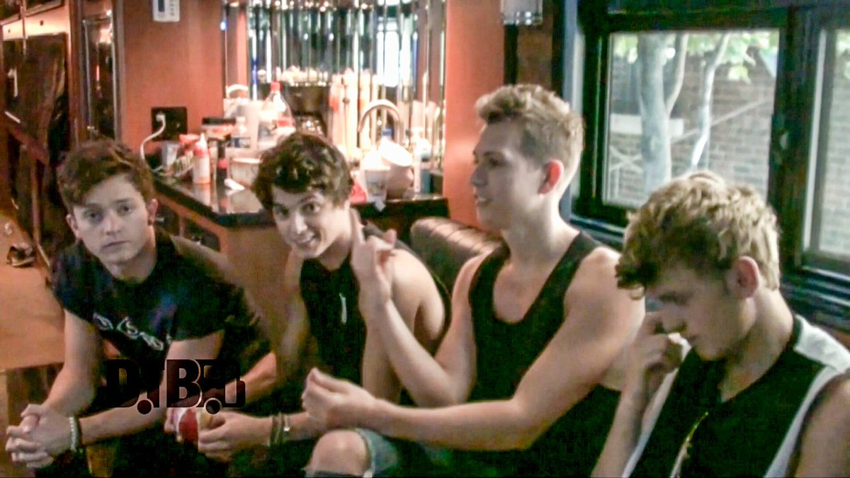 Go watch he indie pop band, @TheVampsband, reveal their dream tour lineup at https://t.co/BZhj0V9IcO #dreamtour https://t.co/PbyUzLKjbF