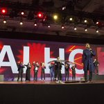 RT @intel: #JaiHo! @arrahman closes Intel's #CES2016 keynote w/ wildly colorful tech-powered performance https://t.co/4KAMbXsaf9