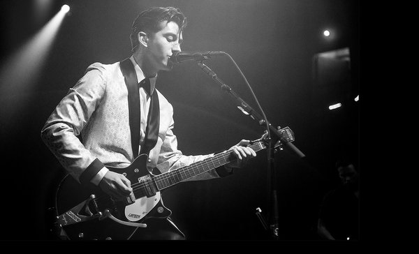 Happy birthday alex turner (youre really annoying and pretentious but youre also a literal genius LOVE U xxX)