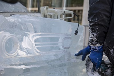 Full-size ice sculpture replicas of classic cars are coming to Detroit during @NAIASDetroit https://t.co/gopUsKqA7q https://t.co/GskfLPMe5r