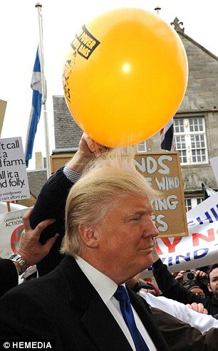 Please don't ban Trump from visiting UK. Can we all do the balloon thing instead? https://t.co/csmh45rJy3
