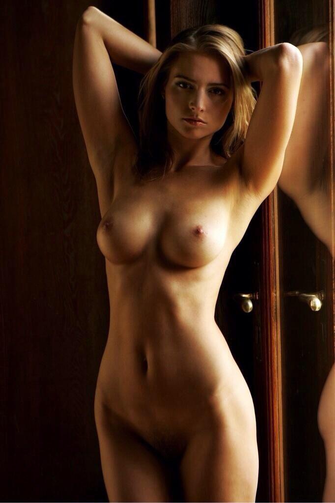 Порно фото длинноногих моделей