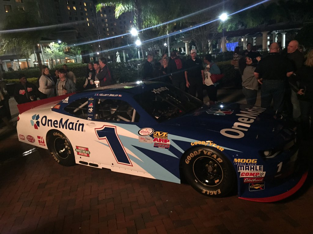 Retweet the 2016 @OneMainRacing Chevy and I'll give away something this week to a follower. https://t.co/sMsJyYEgdw