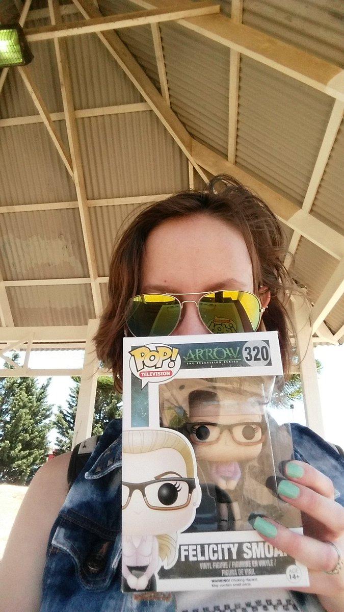 I am now the proud owner of the Felicity Smoak pop vinyl!!! #Arrow https://t.co/s8QjdJlWqE