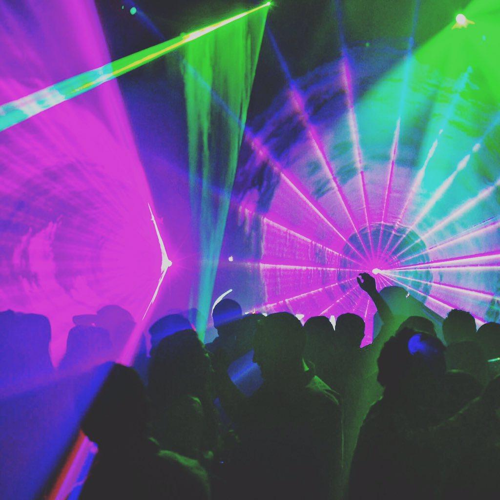 Este weekend las noches de verano vienen cargadas de fiesta en el Único Club de Clase Mundial en Chile!!!  #JustSuka https://t.co/i3wu7aEKJp