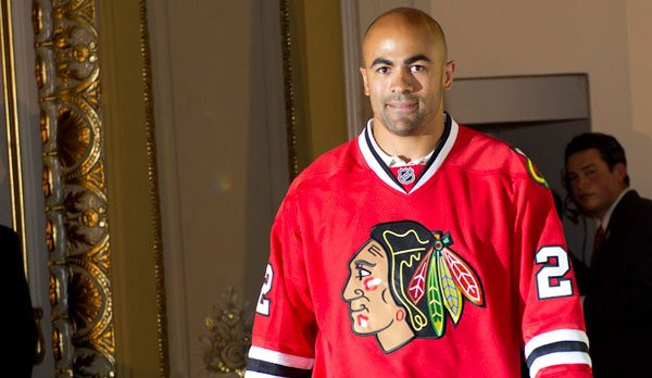Tune in now to watch Hat Trick. @NHLBlackhawks @jamalmayers joins us LIVE in the #wttw studios! https://t.co/DfI5KaTFZF