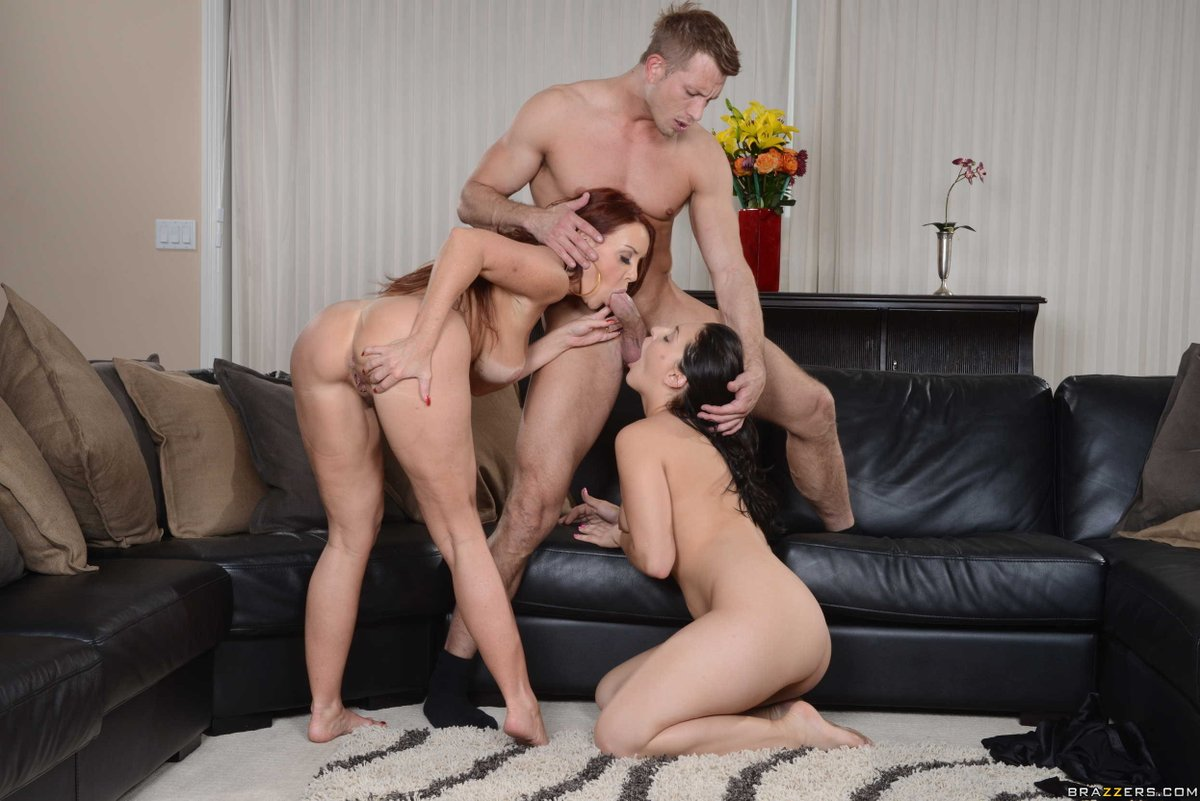 We love MILFs! VOD EXCLUSIVE from 'm Gonna Bang Your Mother 3: J8ptA7qgHU VERY