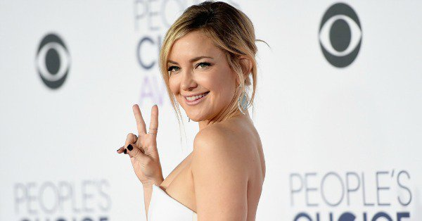 Kate Hudson reveals who she kissed on NYE (and yes, it was a fellow super-hot person):