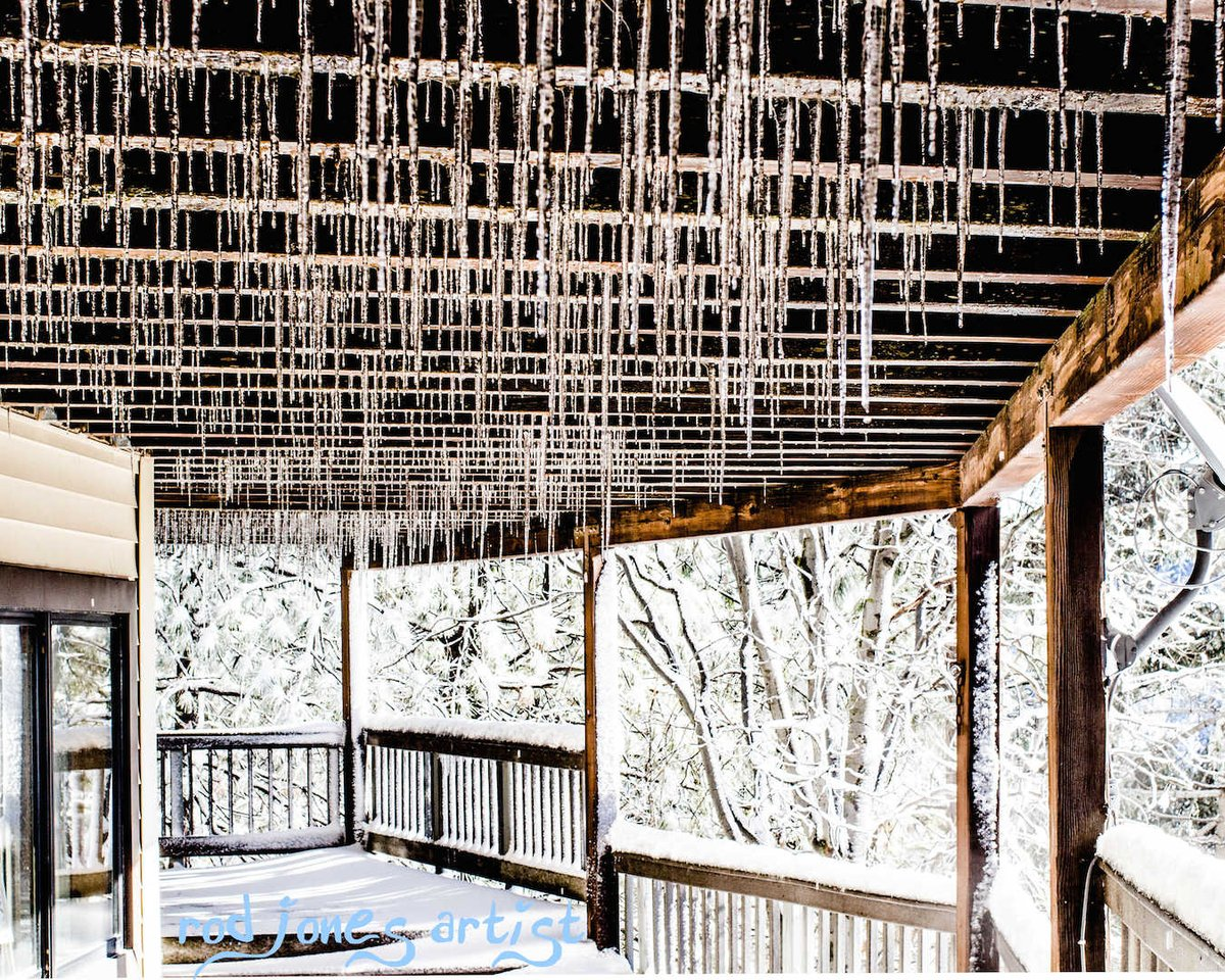 On a rare occassion #nature creates an #icesculpture outside my #LakeArrowhead #SoCal art studio https://t.co/fKBfazcMbA