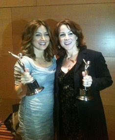 A skip down memory lane with this year's People's Choice Awards Favorite Cable Television Actress! https://t.co/PXUipZL3tI