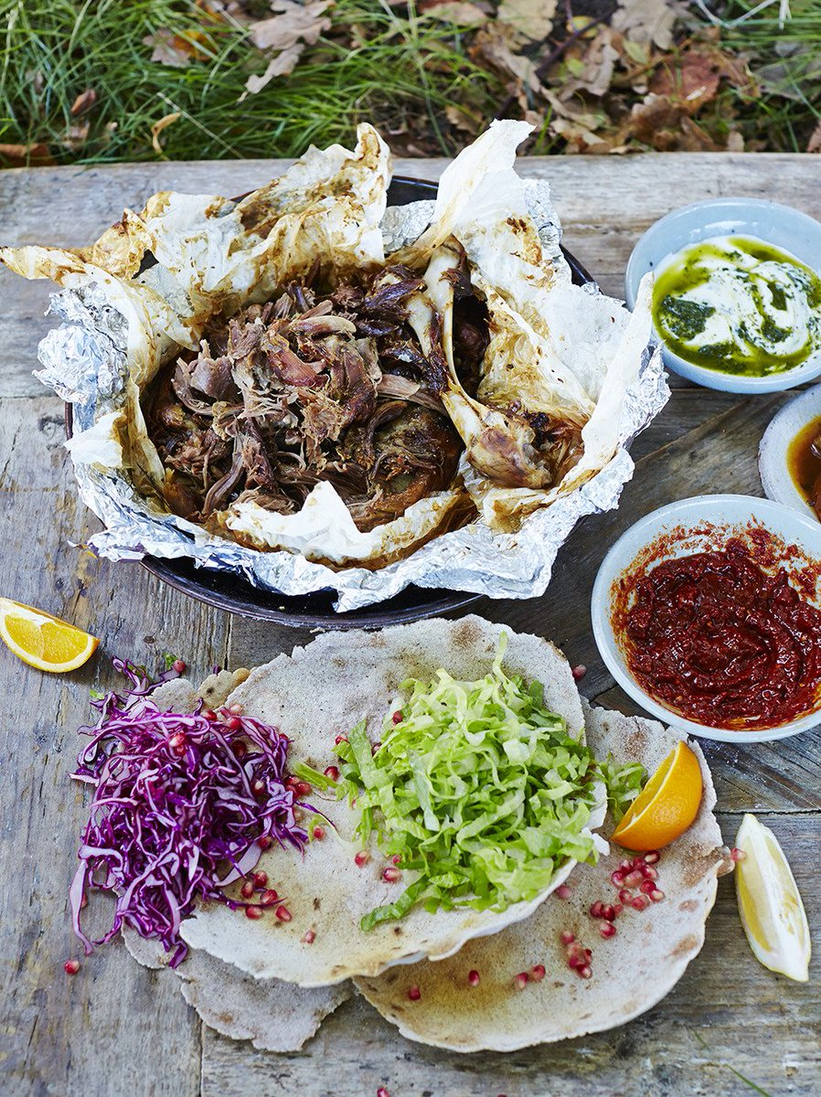 Spiced lamb flatbreads with homemade cabbage pickle https://t.co/TD6LhjXy7H Low & slow cooking! #FridayNightFeast https://t.co/TWQ2NSsG8p