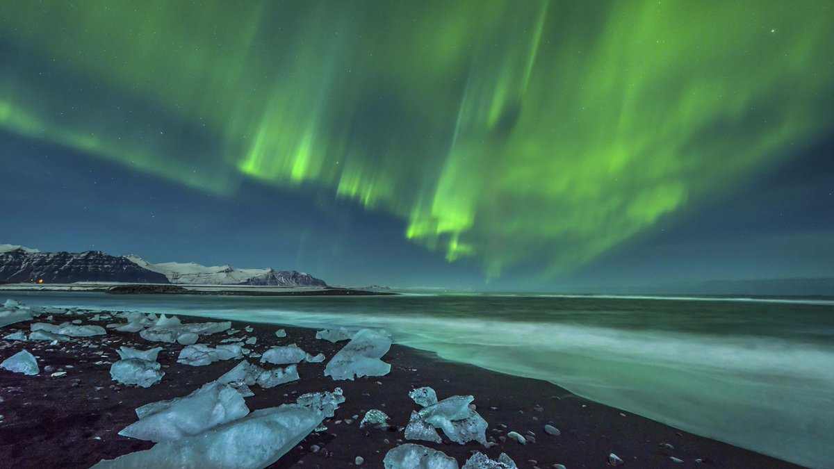 Ben O. took his #MyPassport Wireless to #Iceland to shoot the #NorthernLights. What are your must-see destinations? https://t.co/vS4CrR4cre