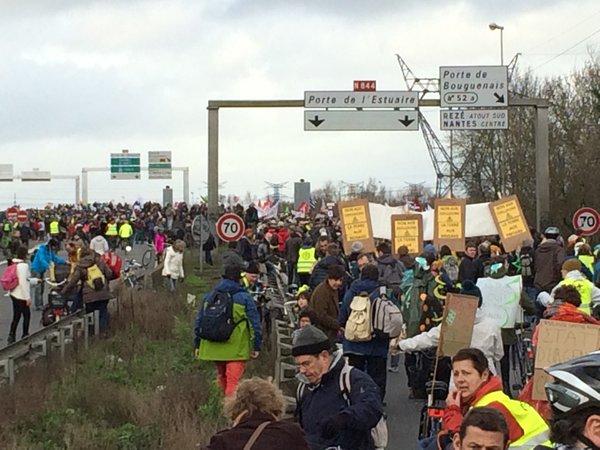 #Nantes #NDDL chiffre revu à la hausse : 20 000 manifestants au sud de Cheviré selon l'Acipa https://t.co/VUA2HHjHGc https://t.co/t4FWIGHGtK