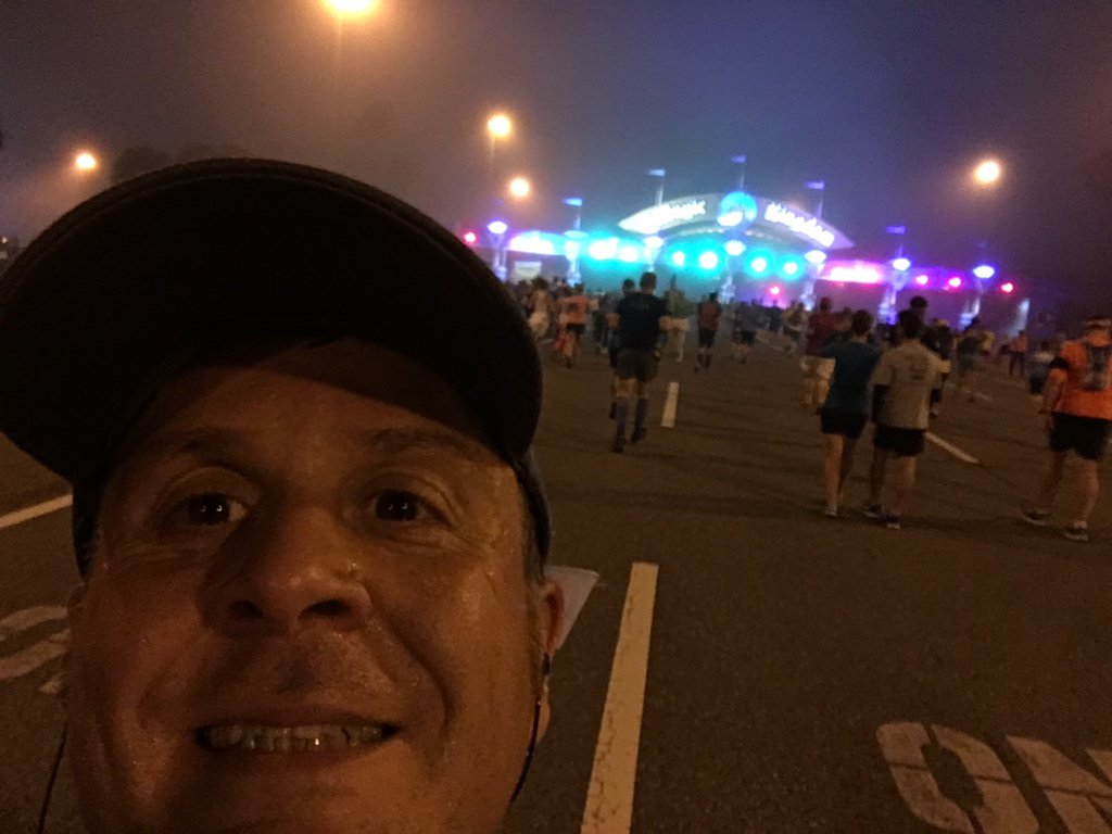 Hey I know this place #WDWHalf https://t.co/4TF0r3SzJd