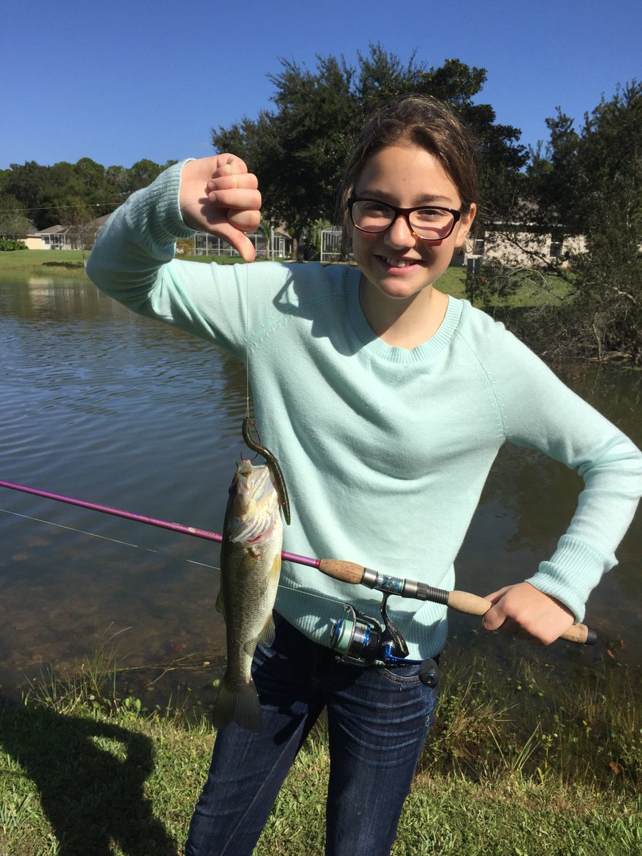 #Its2016AndWeStillDont Have enough kids out on the water fishing. Take a kid or a beginner fishing this weekend! https://t.co/muyfPD1v8M