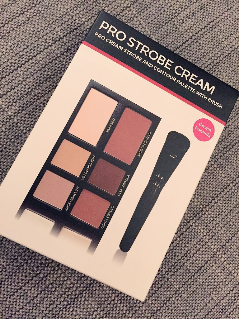Cream contour giveaway, RT & follow me ✔️