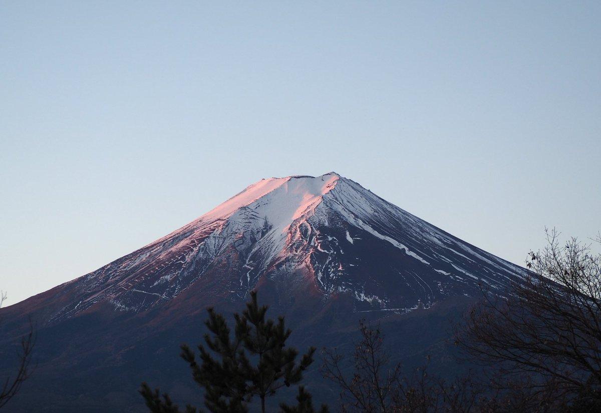 「毎日富士山」2016年1月10日。寒い。  OM-D E-M10 ズイコー40-150mm/F4-5.6 で撮影 #fujisan #mtfuji #富士山 #富士山ノ会 https://t.co/FQqhdtlJBU
