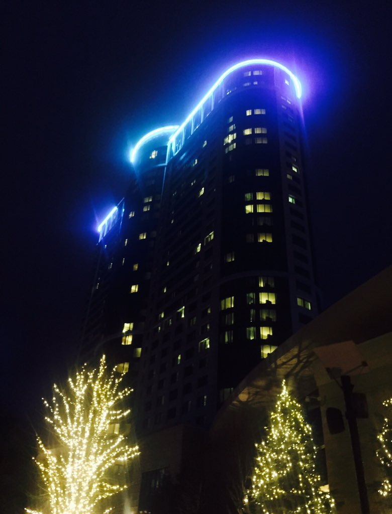 Foxwoods is going Blue for Dorian - our hero!  We look forward to seeing u next week. #Dstrong. #PrayingForDorian https://t.co/dKxVYHkW1T