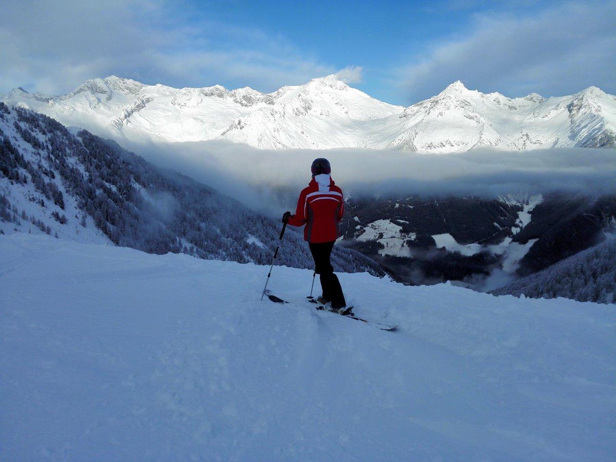 #WinterWonderland! Es hat geschneit! #Neuschnee in #Südtirol ! https://t.co/srwzFtjFCU https://t.co/K41oKInvRC