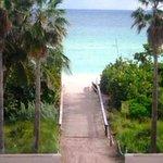 Studio directly accross the Beach!  #MiamiBeach #Florida #Vacation https://t.co/pUxAJ2vamg                         https://t.co/IaYdcDJT7Z