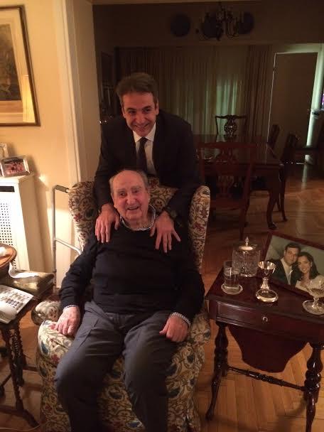 #eklogesND «Συγχαρητήρια και πρωθυπουργός», η ευχή του Κων. Μητσοτάκη στον Κυριάκο, ο οποίος τον επισκέφθηκε. https://t.co/F10X1pZwQT