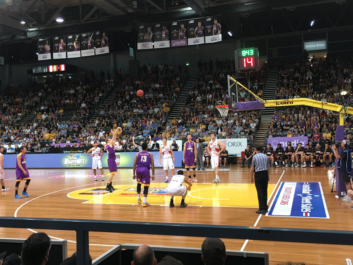 Curious how the @NBL compares to the @NBA? I checked out @SydneyKings this weekend: https://t.co/dGmeXQ2ISp #sydney https://t.co/oDXsQ0nVRP