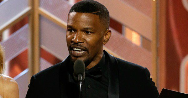 Remember that time Jamie Foxx pulled a Steve Harvey at the 2016 GoldenGlobes...