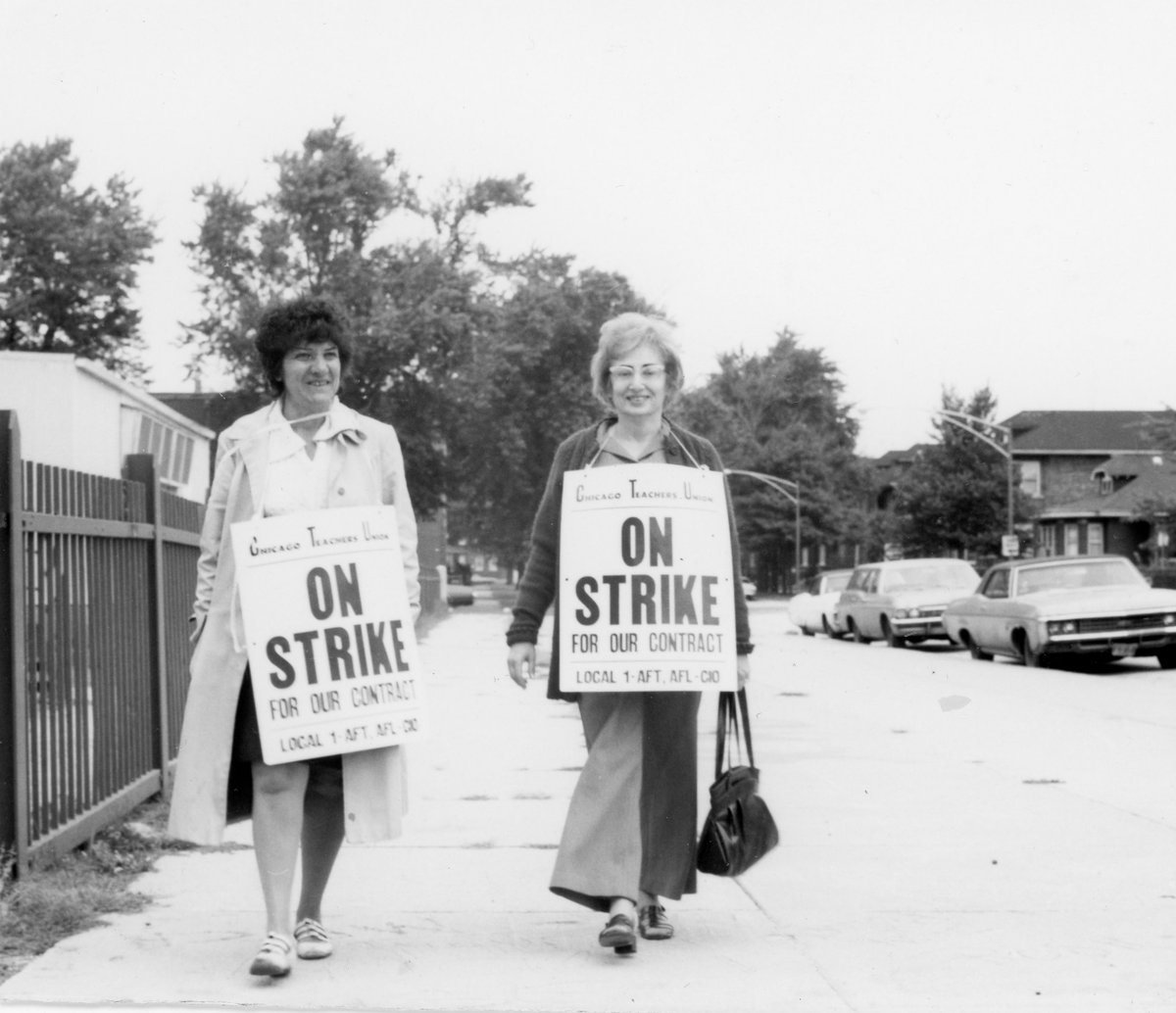 My mom was a member of @CTULocal1 This is her walking the picket line back in the 60s.  She's the one on the right. https://t.co/TotBywPnYg