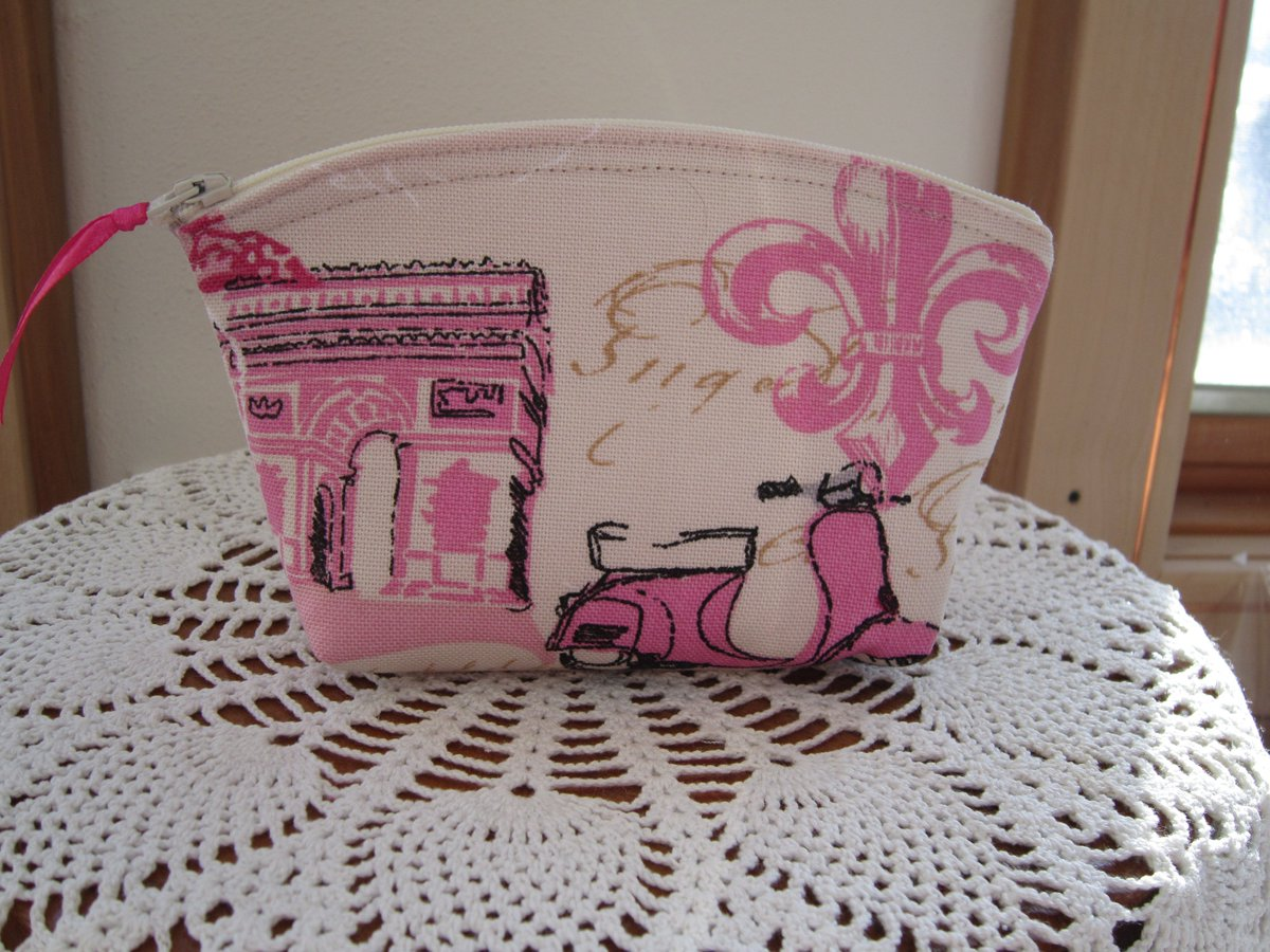 Great #GiftIdeas for #ValentinesDay https://t.co/vJsblDIMXD #RTPFB #handmade #Etsy #Antiquebasketlady https://t.co/YkY5UsYA4i